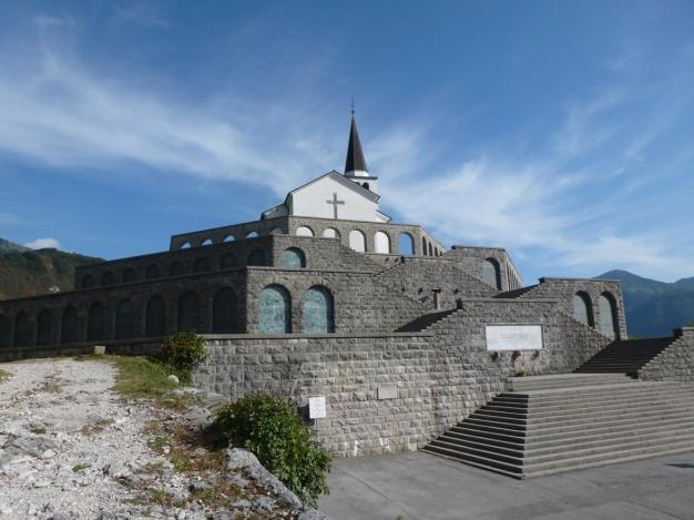 P1000426 Italian memorial, Kobarid