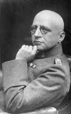 Fritz Haber, in the uniform of the 35th Pioneer Regiment.