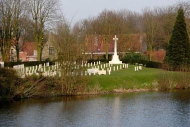 Ramparts Cemetery (CWGC)